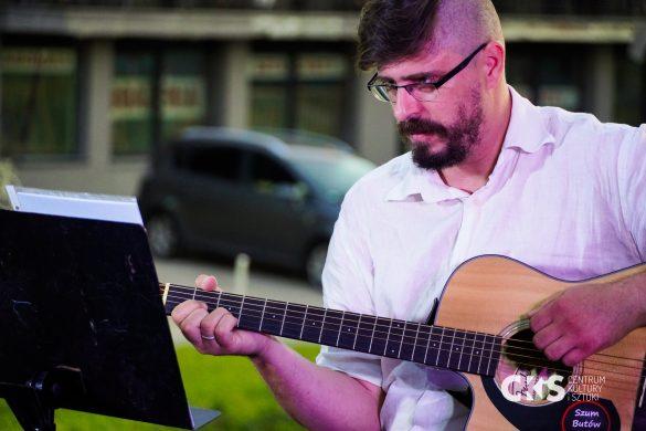 Relacja Koncert pod jabłonkami: Szum Butów Stróża